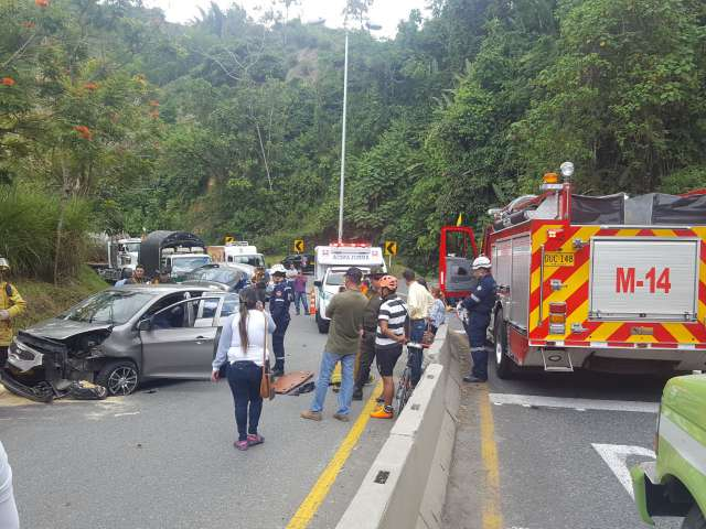 Accidente en la doble calzada, sector La Trinidad.