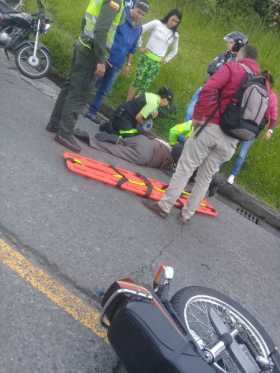 Moto atropelló a un adulto mayor
